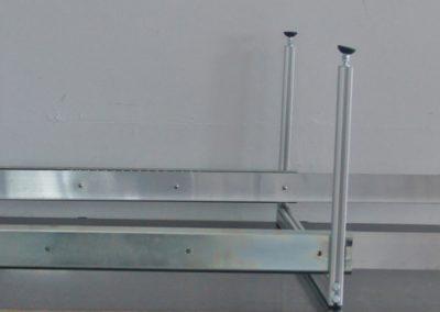 Unterflurauszug montiert, kurz vor dem Einbau. Es fehlt nur noch die Siebdruckplatte