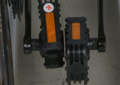 Werden umklappbare Pedale angebracht, können bei entsprechender Pedalstellung, noch weitere 5 cm eingespart werden.