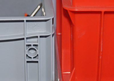 Boxenrahmen T-Profil als Mittelsteg um die Boxen bequem einschieben zu können.