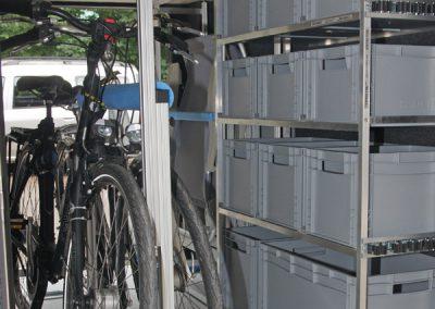 Pedi-Packer und Regal  im der Heckgarage