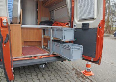 Doppelstockauszugsystem für Kastenwagen.