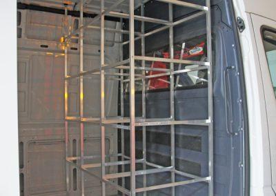 Mobiler Caravan Service  mit IDEA-Regal