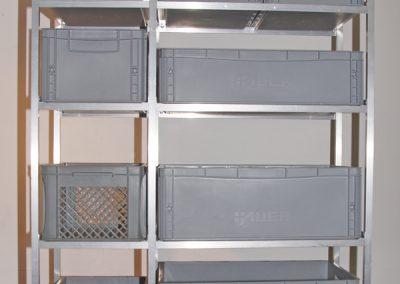 Kombiniertes Boxenregal mit 60er Quer und 40er Boxen Längs eingeschoben