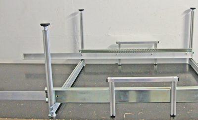 Auszug Teilmontiert - wir liefern den Auszug als Bausatz ohne Boxen und ohne Siebdruckplatte
