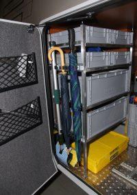 Hymer B678 Bj.2012  Kombinierter Boxentower unten mit 60x40 Boxen im Längseinschub, darüber zwei Rahmen mit 30x40 Boxen im Quereinschub