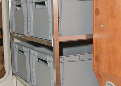 Carthago Regalsystem Höhe 119cm und Sockel von 31cm. Die Boxen werden Längs eingeschoben. Regal 41cm in der Tiefe und 66cm in der Breite.