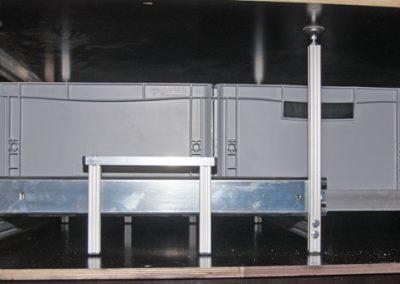 eingebauter Unterflurauszug von der Seite gesehen