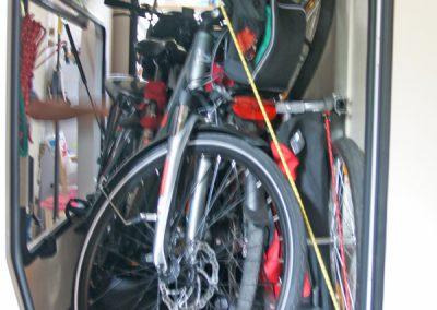 Chausson 620 - Der Kunde hat keinen passenden Fahrradträger für seine Heckgarage gefunden.