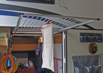 Auszug Heckgarage mit Deckenwinkel - Spezialausbau als Wäschständer