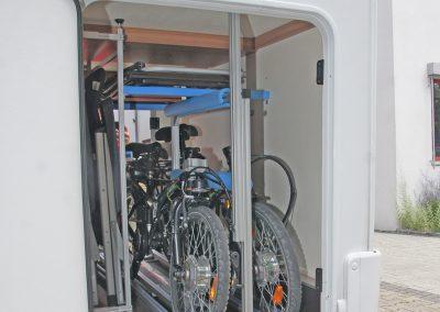 VCT Regal und Fahrradträger