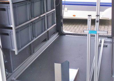 Quertraverse am Boden und Rollerwippe