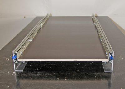 Vollauszug mit 120cm Länge. Die Breite wird durch die montierte Siebdruckplatte bestimmt.